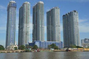 Các dự án cao tầng như một bức tường thành bức tử không gian sông Sài Gòn.